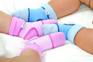 Socks on för bebisar