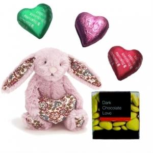 Bashful Blossom med chokladhjärtan